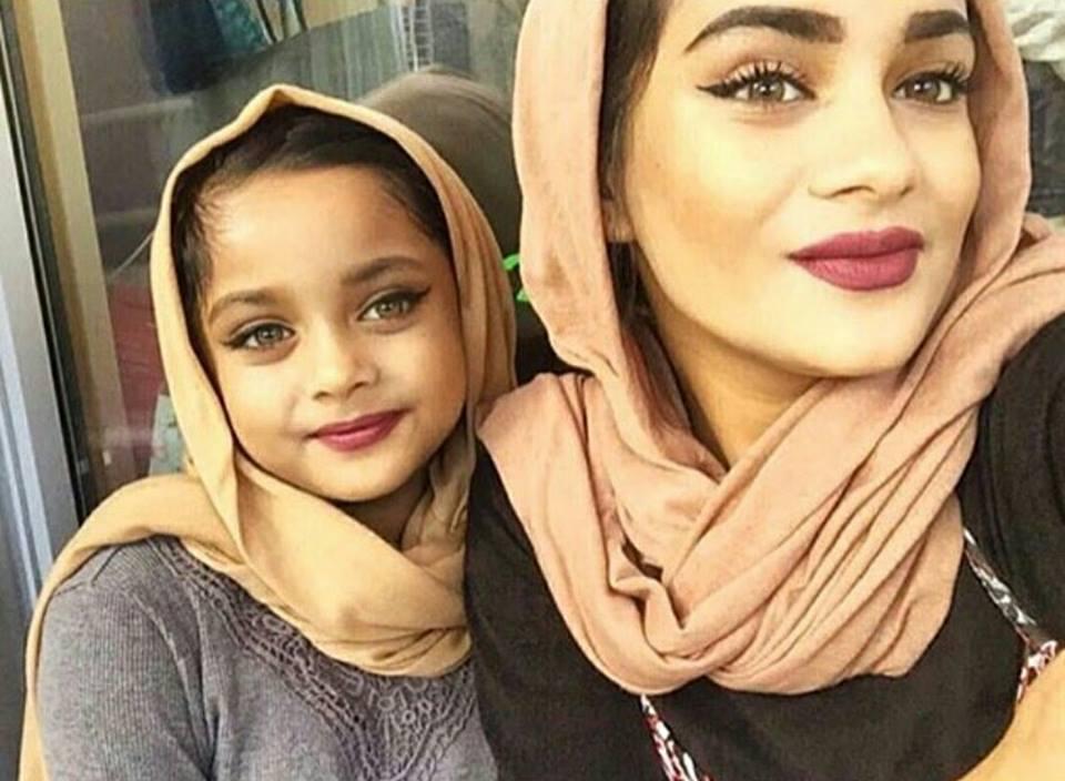 صورة بنات مع بنات , صور اجمل بنات على الطبيعه و كرتون