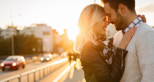 صورة صور رومانسيات , بعض اللقطات الماخوذة للحب بالشموع