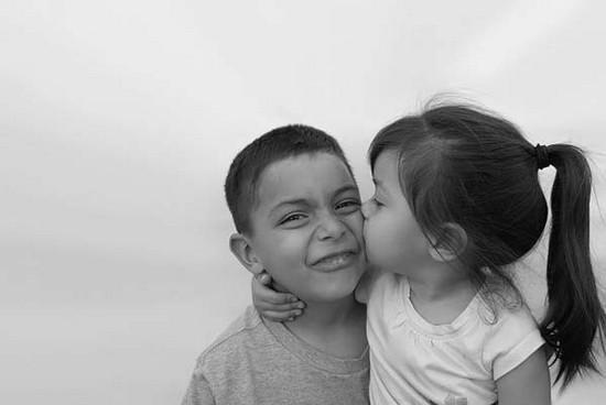صورة احضان حب , اجمل صور احضان حب الاطفال 3921