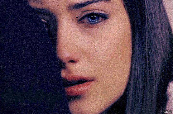 صور بنات جامده , وجميلة تبكي من الفراق