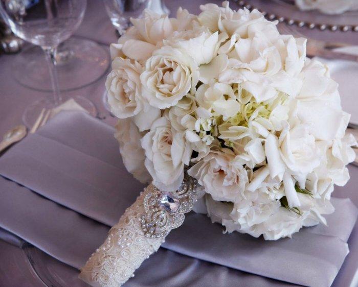 صور مسكات عروس , احمل بوكيه ورد للعروسة