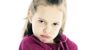 صورة التعامل مع الطفل العنيد , كيفيه تربيه الطفل العنيد والتخلص من عنده